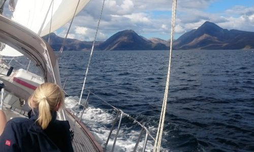 Sailing holidays scotland